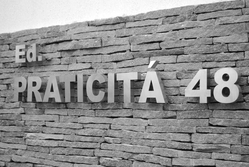 comunicação visual letra caixa metalica pintada fachada COLA design