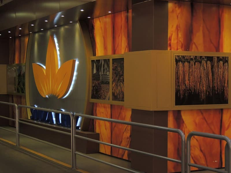 comunicação visual luminoso painel fachada COLA design